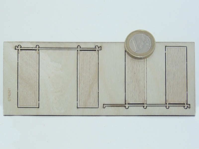 2 portes en bois ouvertes sur glissi re. Black Bedroom Furniture Sets. Home Design Ideas