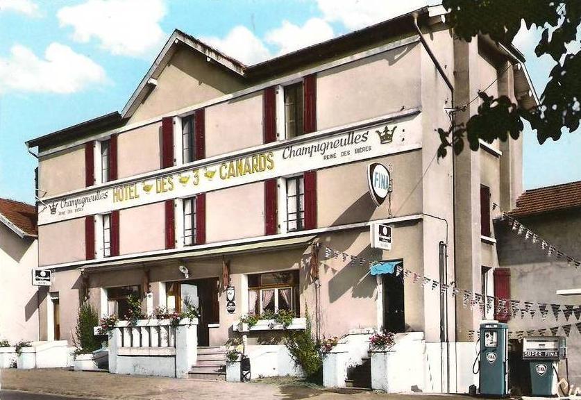 H tel les 3 canards de jussey for Big box hotel bomonti