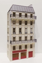 Immeuble d'angle fond de décor 6 étages  110