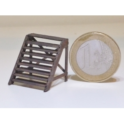 Escalier de dépôt en bois (-HO-)