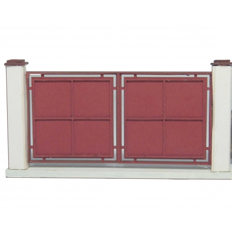Portail métallique plein rouge (-HO-)