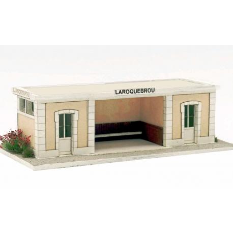 """Abri de quai """"PO"""" type gare de """"LAROQUEBROU"""" (-HO-)"""