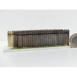 Clôture haute en traverses bois régulières (-HO-)