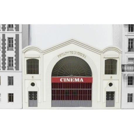 CINEMA L'ARSENAL IMMEUBLE POUR FOND DE DECOR
