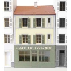"""IMMEUBLE POUR FOND DE DECOR """"CAFE DE LA GARE"""""""